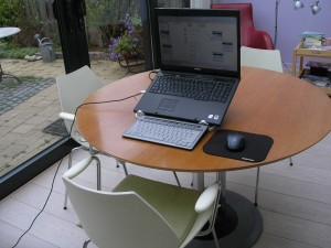 Ergonomic laptop workplace