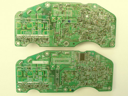 There are several circuit board versions of the Yamaha PW SE